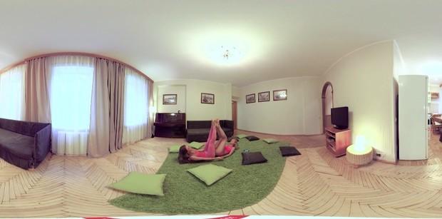 美女练瑜伽VR视频
